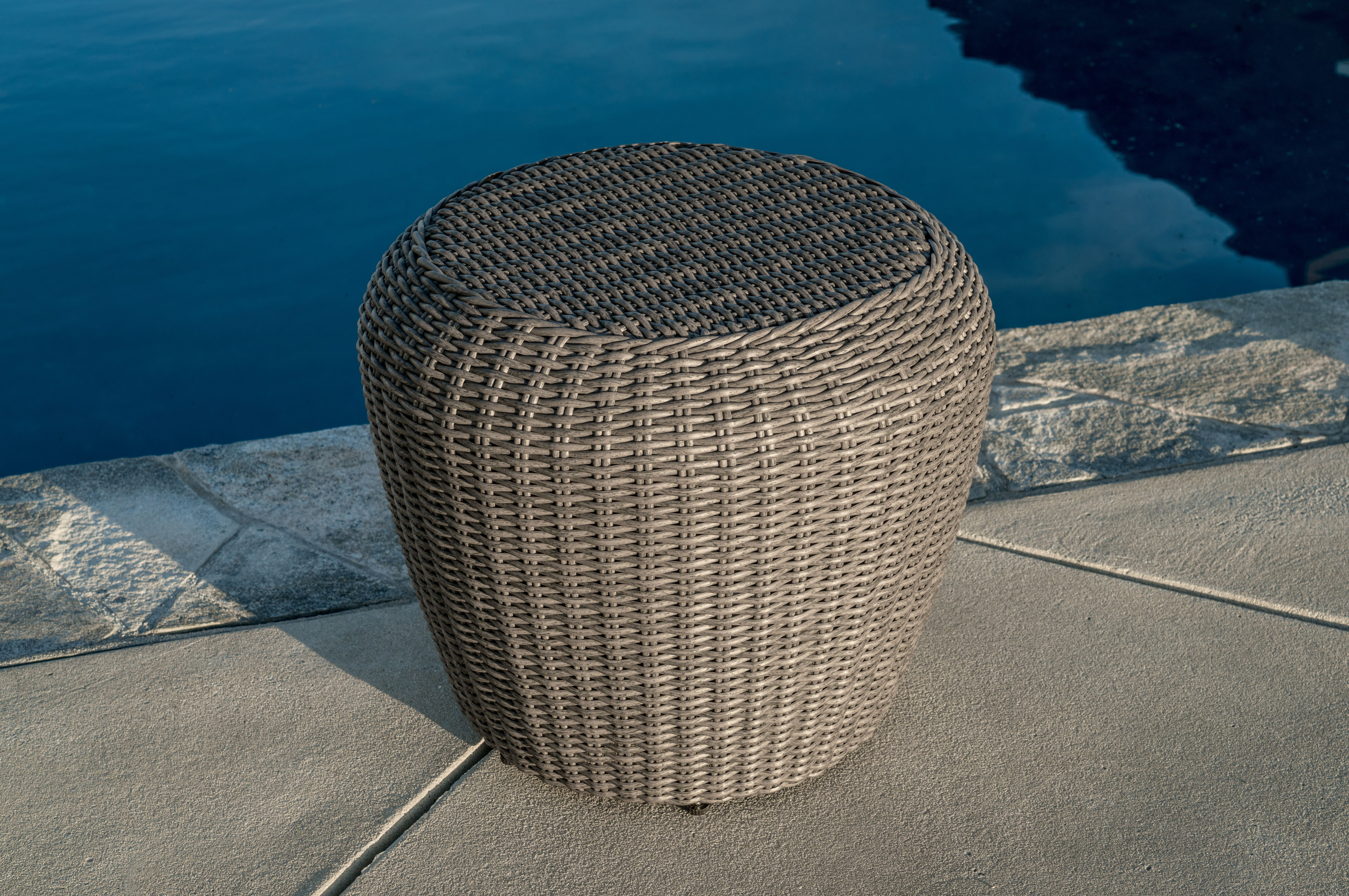Super Durable Pe Wicker The Terra Vista Lounge Set Will Continue To Bring A Feeling Of Pride Every Time You Make Your Way Out Outdoor Oasis