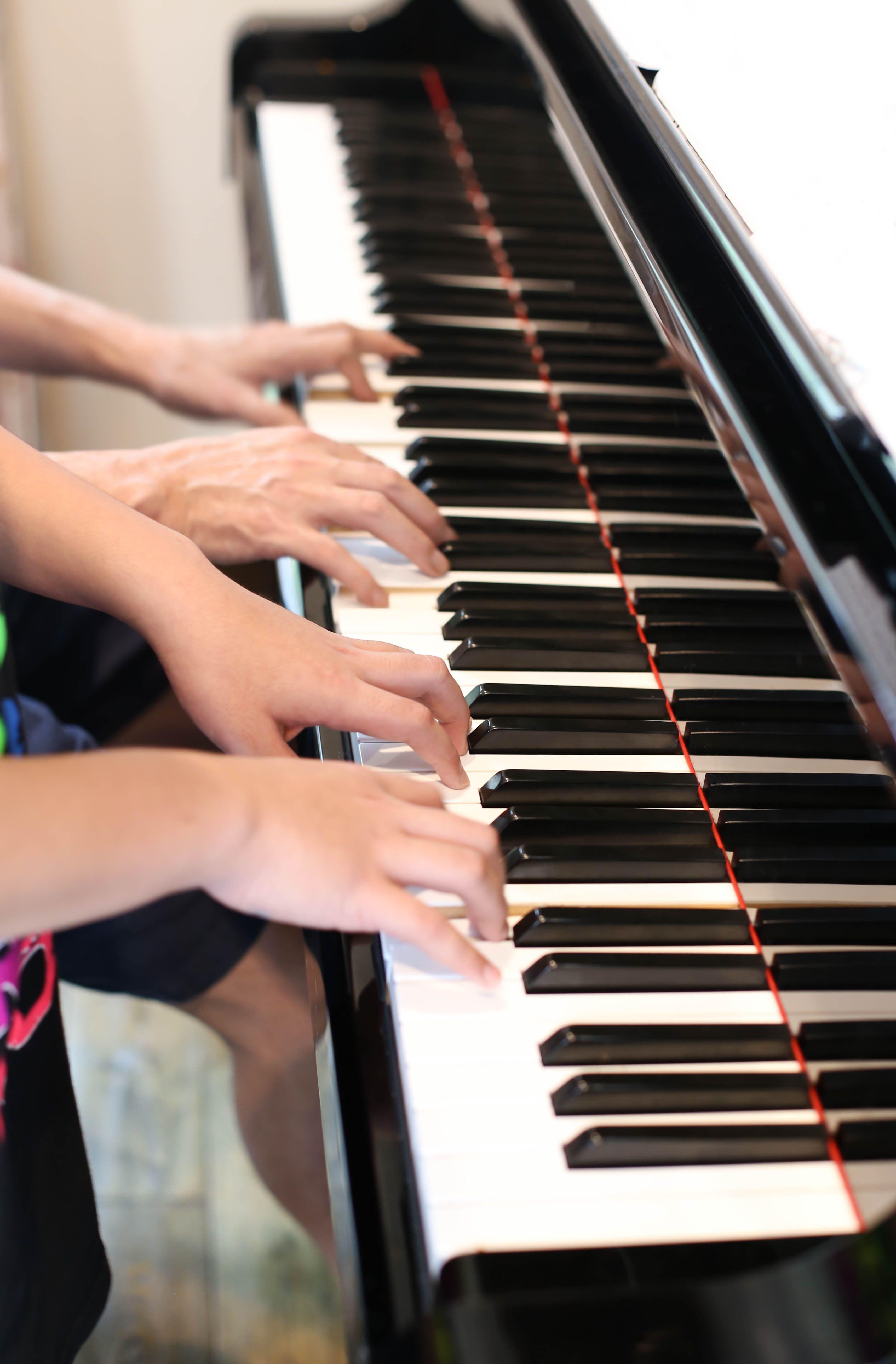 Artesia AG-50 Digital Grand Piano Bundle